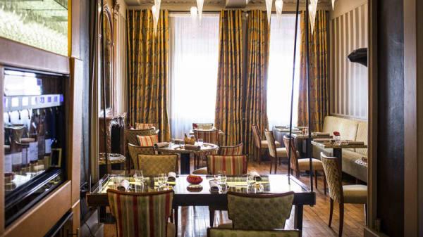 La salle du restaurant - Loiseau des Ducs, Dijon