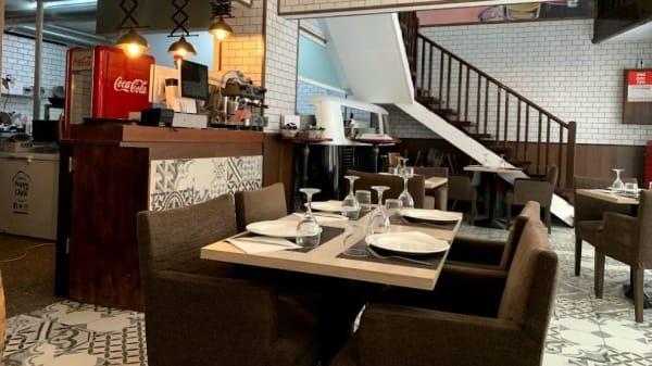 Mis, Restaurant Mar I Sol, Olesa De Montserrat