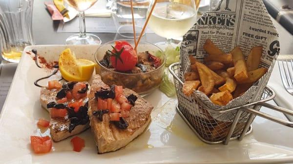 Frites et poisson maison - Le Reagan's, Toulon