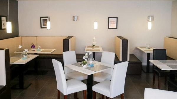 Vista sala - Stones Eatery Cafe & Bar, Fuengirola
