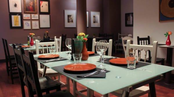 Vista de la sala - Café del kasco, Toledo