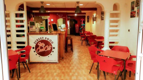 Vista del interior - Mr. Cool Cat Street Food, Elx