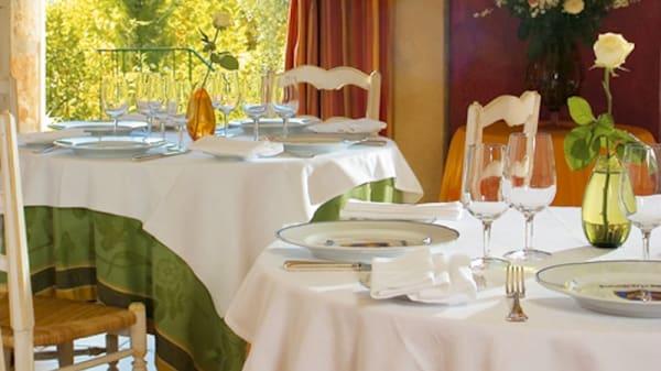 détail tables - Auberge de la Madone - L'Authentique, Peillon