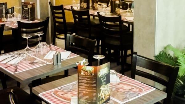 Tables dressées - Gloria, La Garenne-Colombes