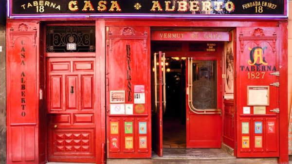 Entrada - Casa Alberto, Madrid