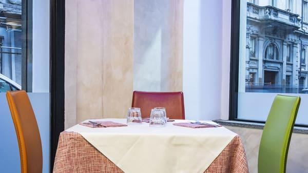 Particolare tavolo - Tiffany Bistrot Bodoni, Turin