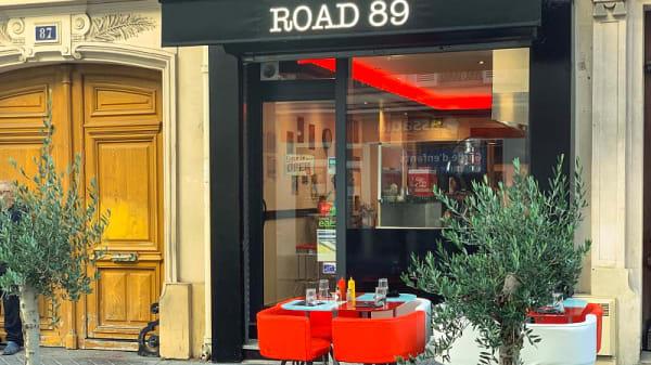 devanture - Road 89, Paris