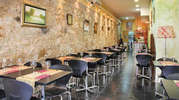 Sala lista para el servicio de mediodía - Tai, Barcelona