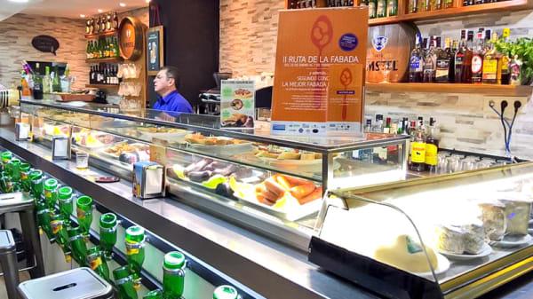 vista de la barra - A Cañada DELIC Experience, Madrid
