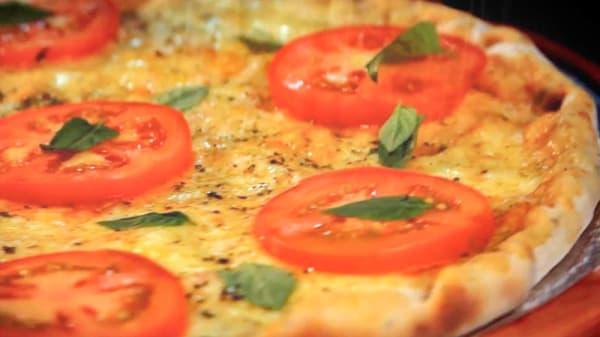 pizza - Pizzaria Azeitona, São Paulo
