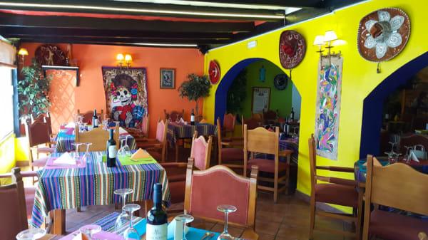 Vista sala - Pancho Villa, Estepona