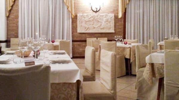 """Sala del ristorante - RISTORANTE-TAVERNA """"AL POSTIGLIONE"""", Teolo"""
