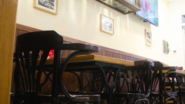 Vista de la sala - La Abacería de David, Fuengirola