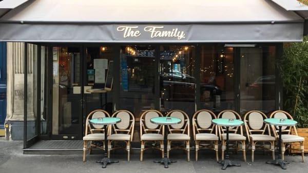 Devanture - The Family, Paris