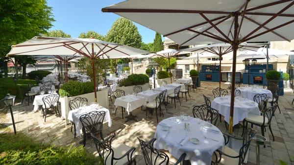 Terrasse - Brasserie Flo Excelsior Reims, Reims