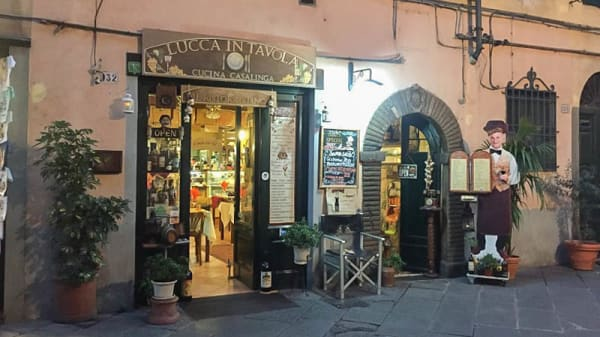 Esterno - Lucca in Tavola, Lucca