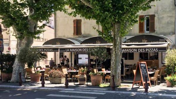 Terrasse - La Maison des Pizzas, Saint-Florent
