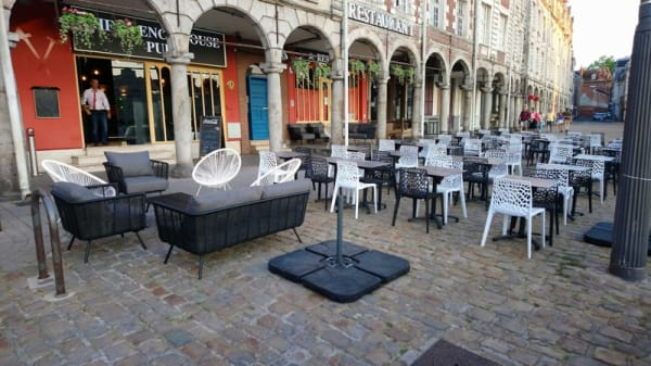 Terrasse - The French House, Arras