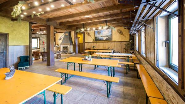 Sala del restaurante - El Refugio de Cotos- La Cantina, Puerto de Cotos
