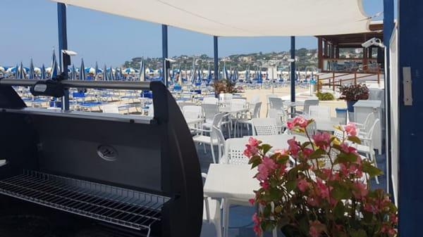 Vista della terrazza - Grill and beach, Gaeta