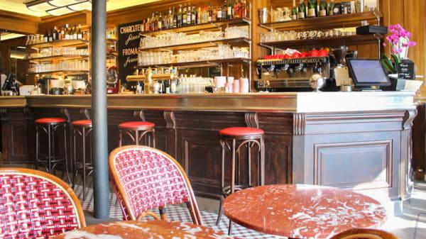 Vue de la salle - Café du Marché, Neuilly-sur-Seine
