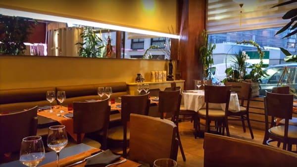 Salle du restaurant - Sourire du Vietnam, Paris