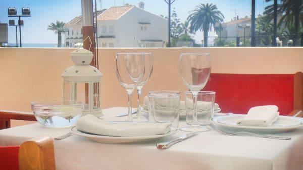 Detalle mesa terraza - Noray El Puig, El Puig