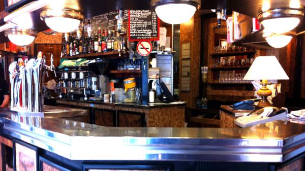 Zoom sur le bar - La Mannette Drouot, Paris