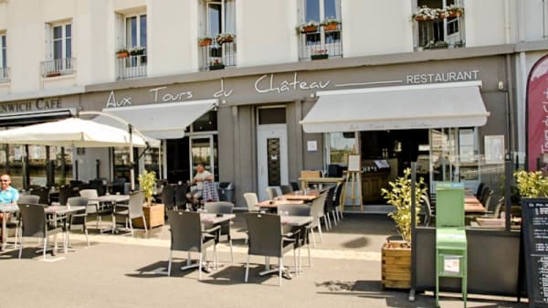 Devanture - Aux Tours du Château, Brest