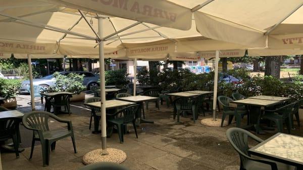 Veranda - Ristorante Pizzeria Grotta Azzurra, Piacenza