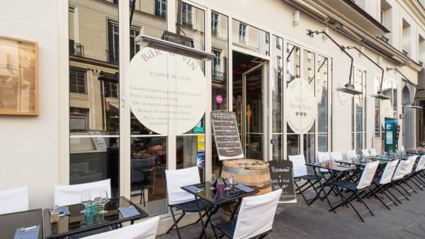 devanture - L'aparthé - Bar à Vin Paris, Paris