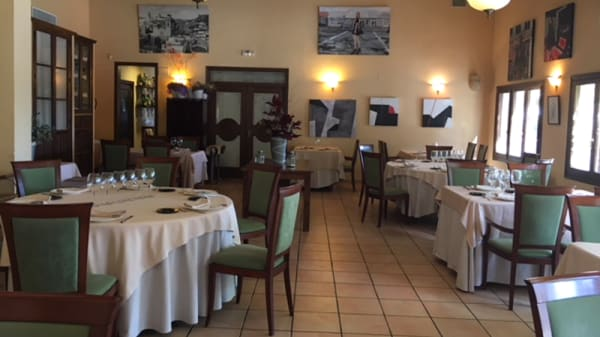 Sala del restaurante - Xiri, Monòver