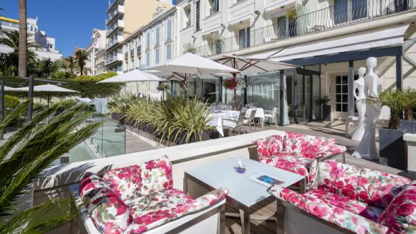 Terrasse - Le Café Blanc - Hôtel Le Canberra, Cannes