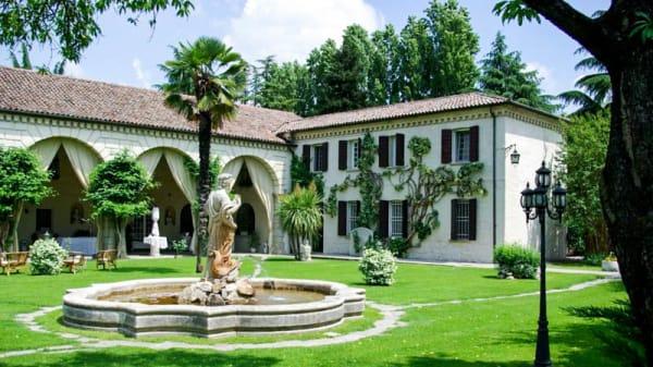Cortile - Tavern di Villa Cornèr, Monselice