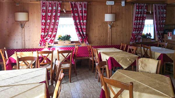 Sala - Elvis Bar Ristorante e Pizzeria, Gallio