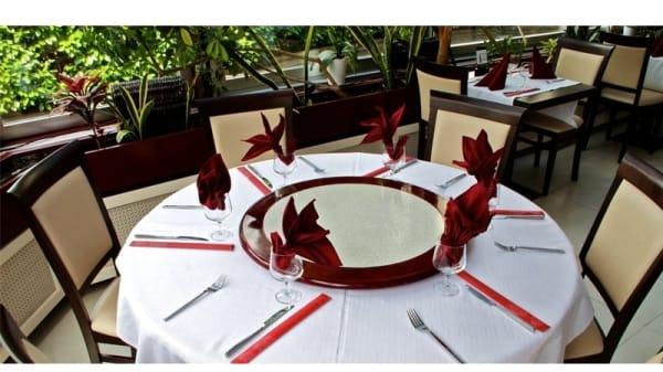 Table dressée - La Table des Nations, Genève