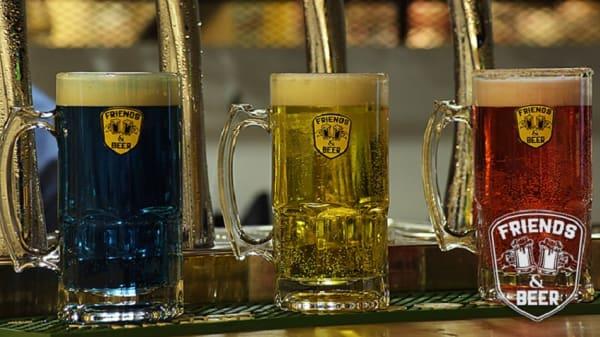 . - Friends & Beer, Bogotá