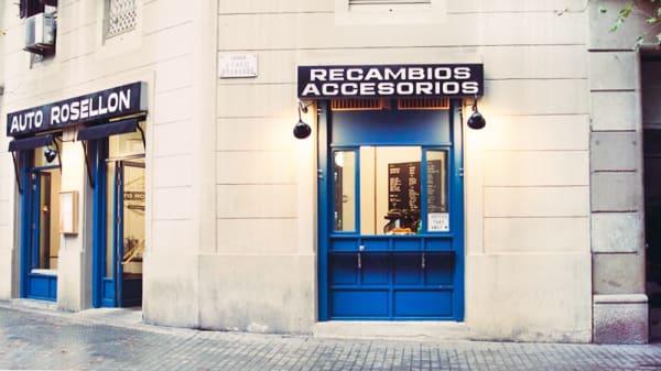 Vista fachada - Auto Rosellón, Barcelona