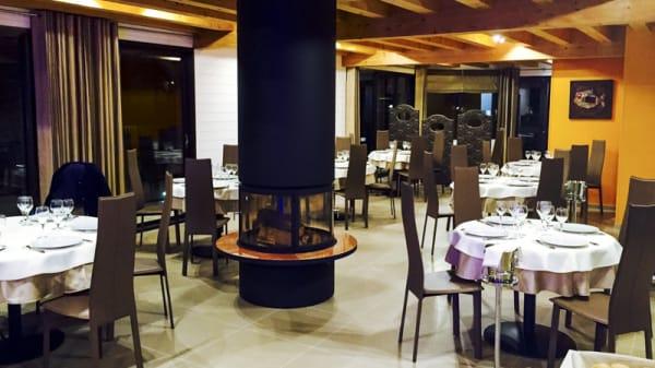Salle du restaurant - Le Millésime, Ménilles