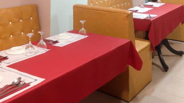 Vista sala - Omar Café, Barcelona
