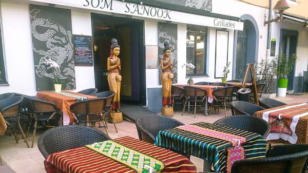 Devanture - Som Sanook Nice, Nice