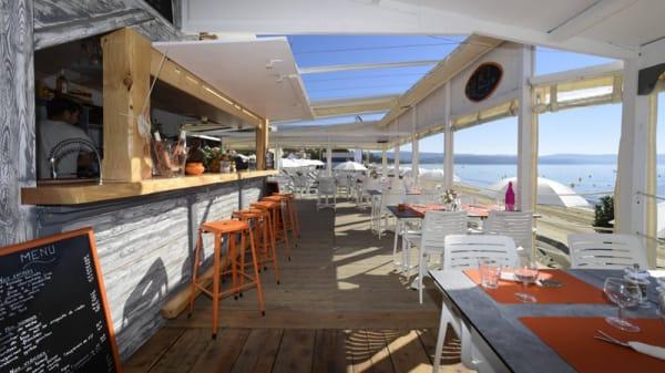 Le bar a cocktails et la terrasse - Plage des 3 pins, Cavalaire-sur-Mer