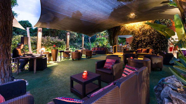 Jardim lounge - Capisce music & food, Almancil