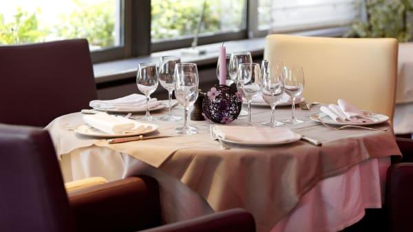 Table ronde - La Table d'Elisa - Hôtel du Nord, Compiègne