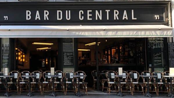 Terrasse - Bar du Central Saint-Dominique, Paris
