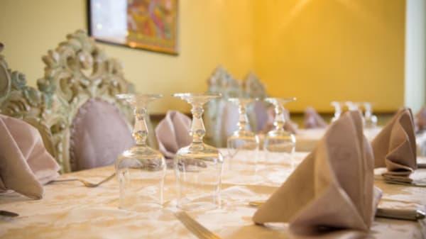 Table - Ganesh, Saint-Maur-des-Fossés