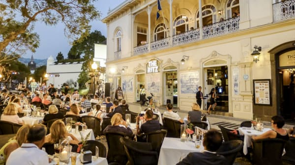 The Ritz open air dinning - The Ritz Madeira, Funchal