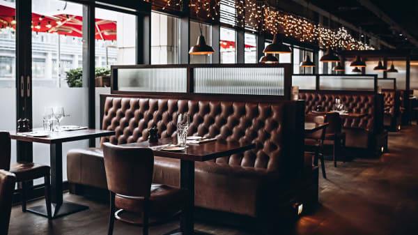 Seating areas - Goodman Canary Wharf, London
