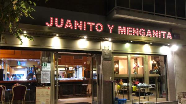 Juanito y Menganita, Madrid