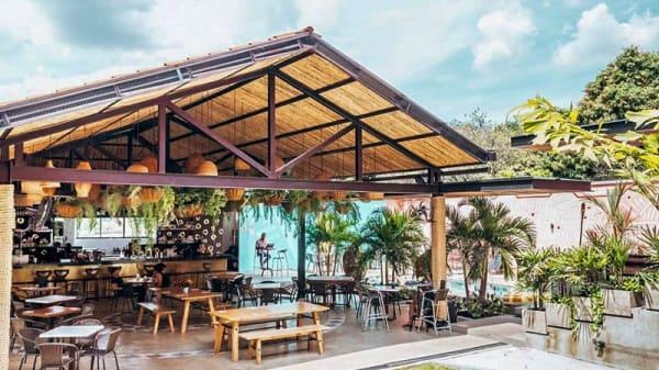 Terraza - Rossa Palma Restaurante y Bar, Cali